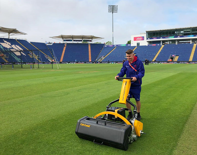 UltraGroomer™ gets to grips with unwanted accumulations at Glamorgan CCC